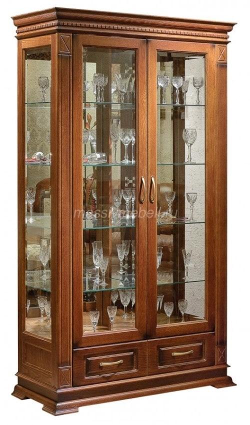 Шкаф витрина со стеклянными фасадами