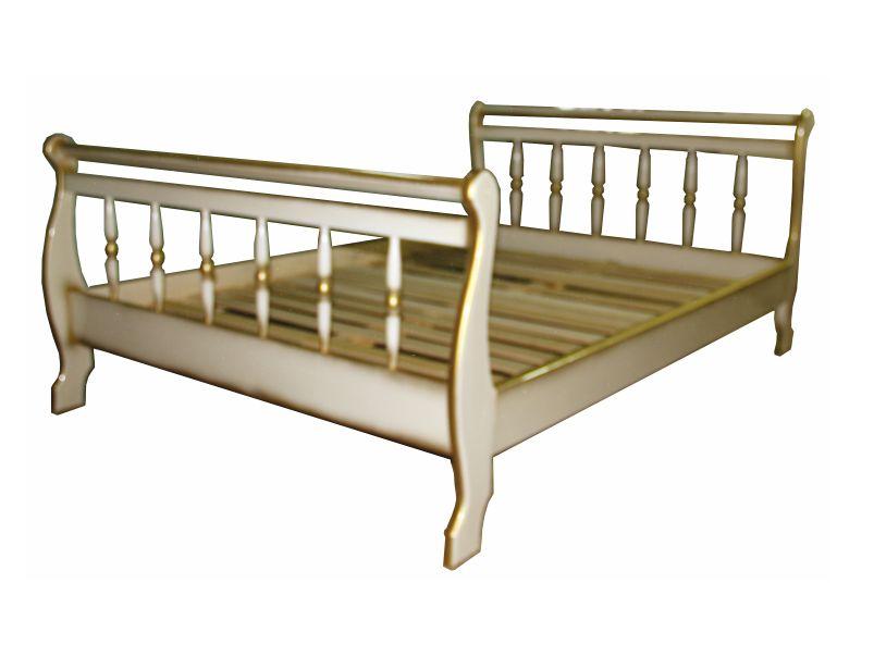 Кровать точёная из массива в белом цвете с золотой патиной